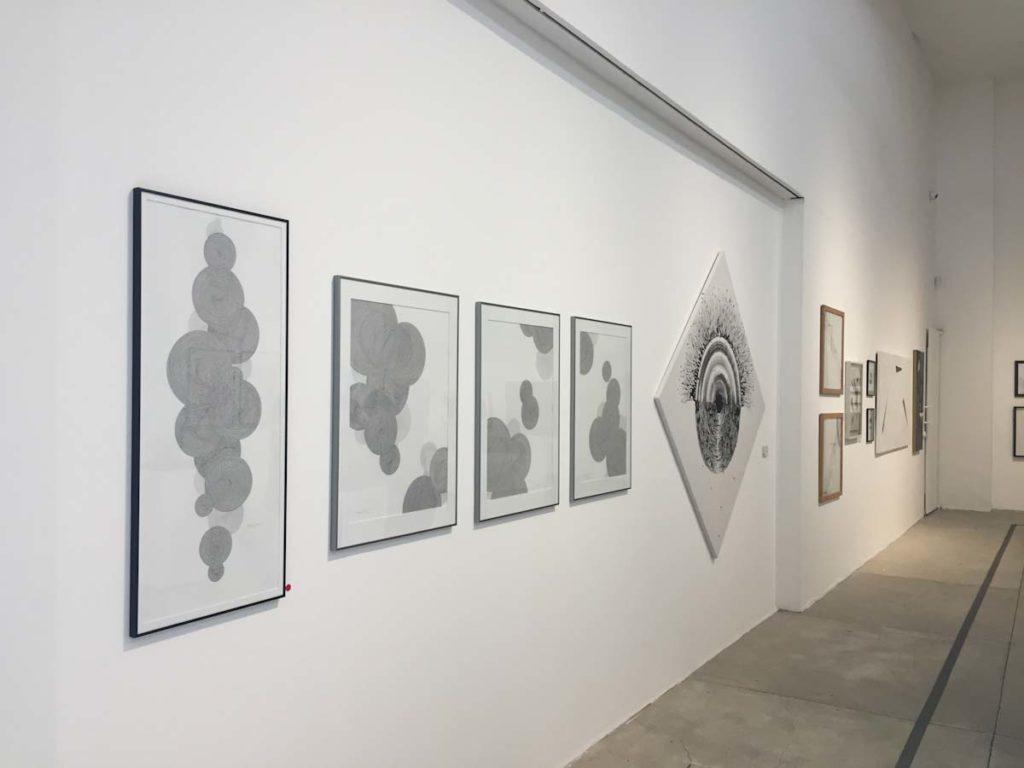 Dibujos expuestos en la galeria z14 de la fundacion Rozas Botran durante el festival Arteenmayo