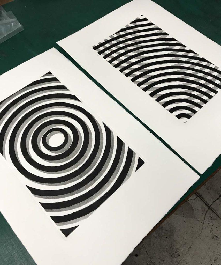 Dos Xilografias de Domingo Gorriz, recien impresas en el taller.