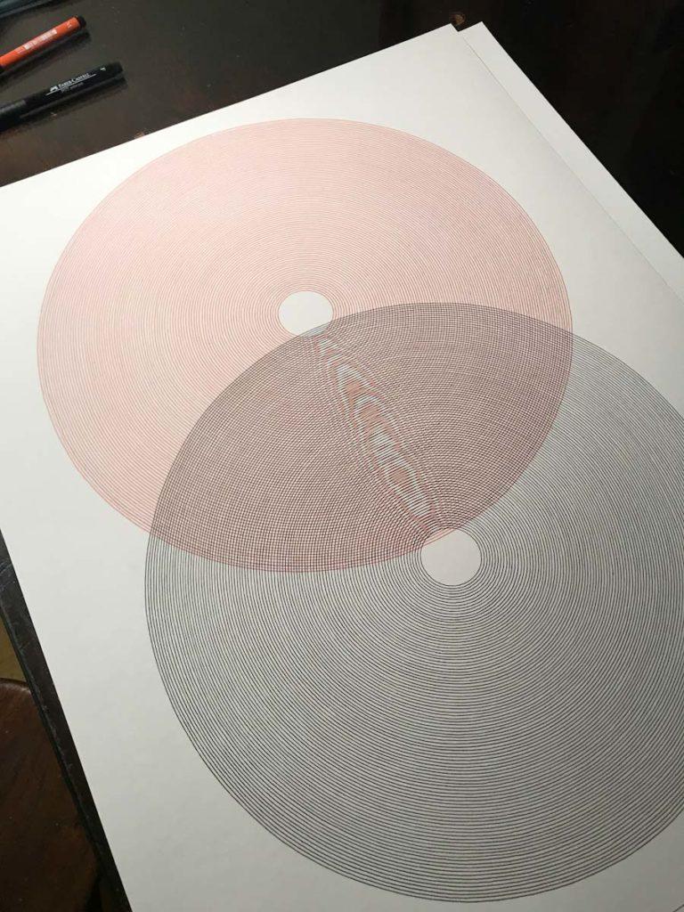 Otros circulos, ahora de mayor tamaño, y mostrando el peculiar traslape de linea que genera un